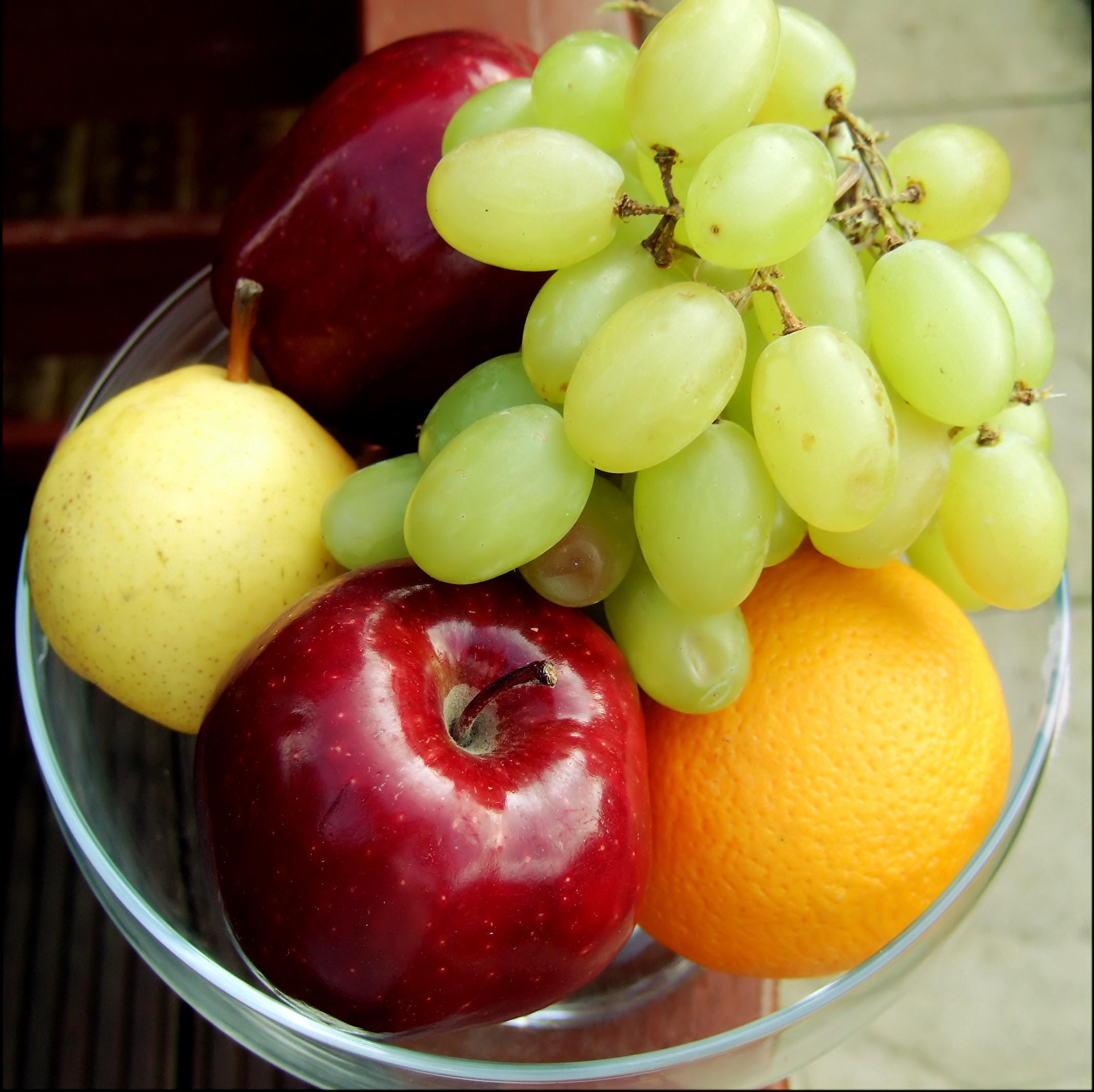 Fruit Basket: Apple, Grapes, Orange, Pear