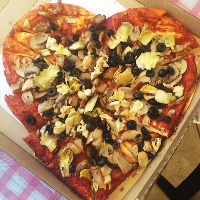Vegan-Heart-Shaped-Pizza